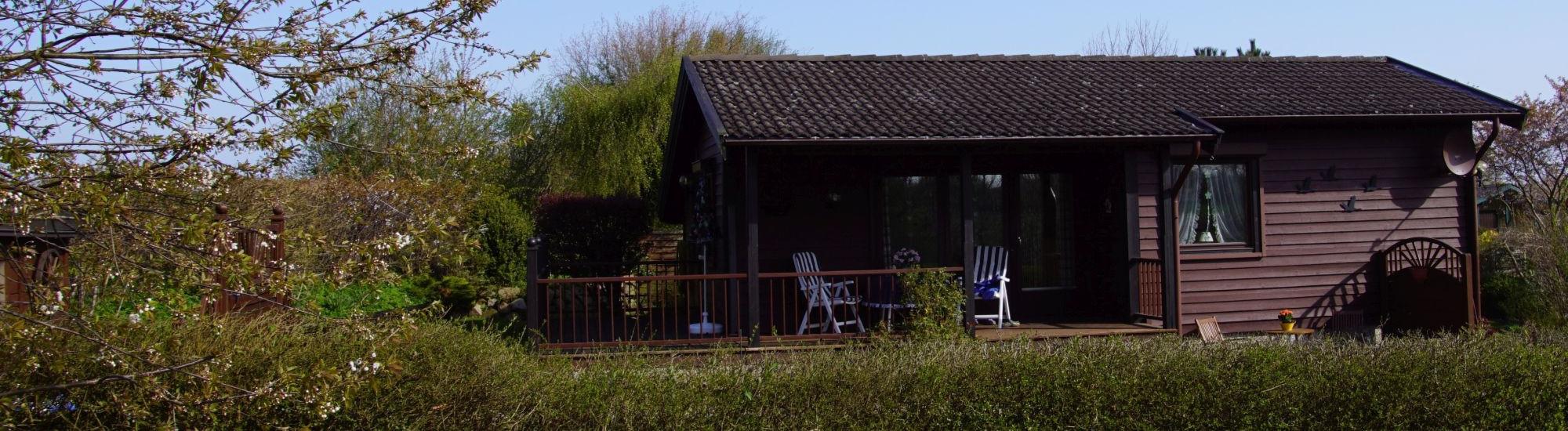 Hohenfelde - Sehr gepflegtes Holzhaus in Strandnähe, Feldrandlage!
